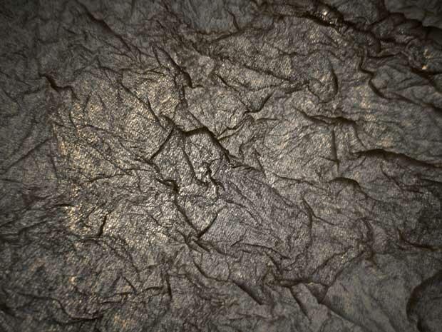 Темная ткань