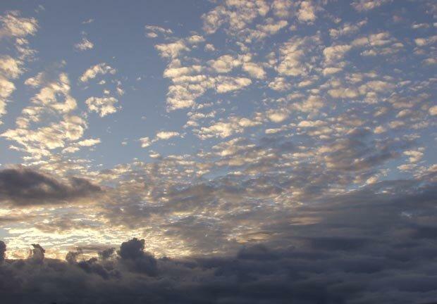 Фоны для презентаций - Облака 6