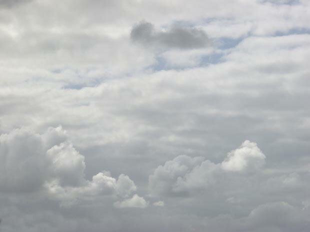 Фоны для презентаций - Облака 11