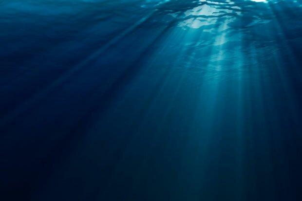 Солнечный свет в толще воды