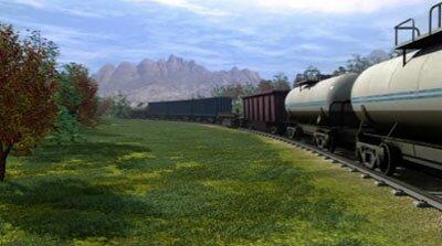 Проезжающий товарный поезд