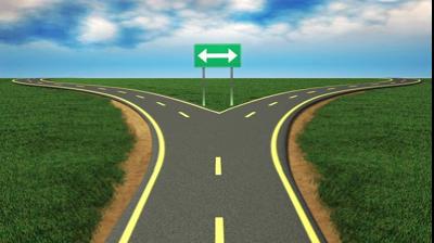 На перекрестке: направо или налево