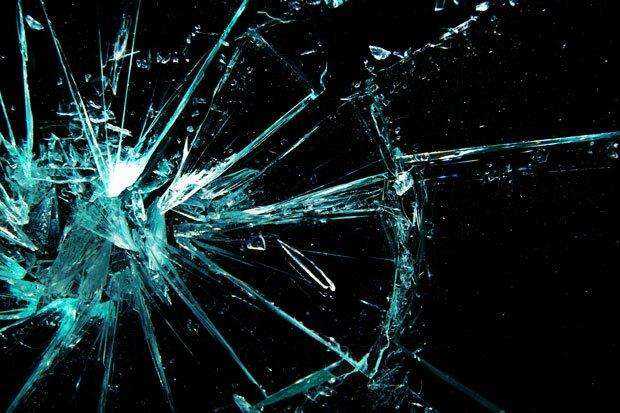 Осколки от стекла