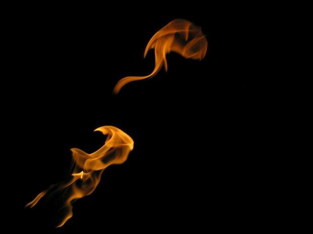 Огонь в темноте